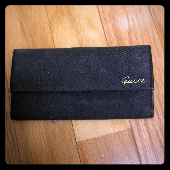 16de813f205 Gucci Handbags - Gucci wallet (old model)
